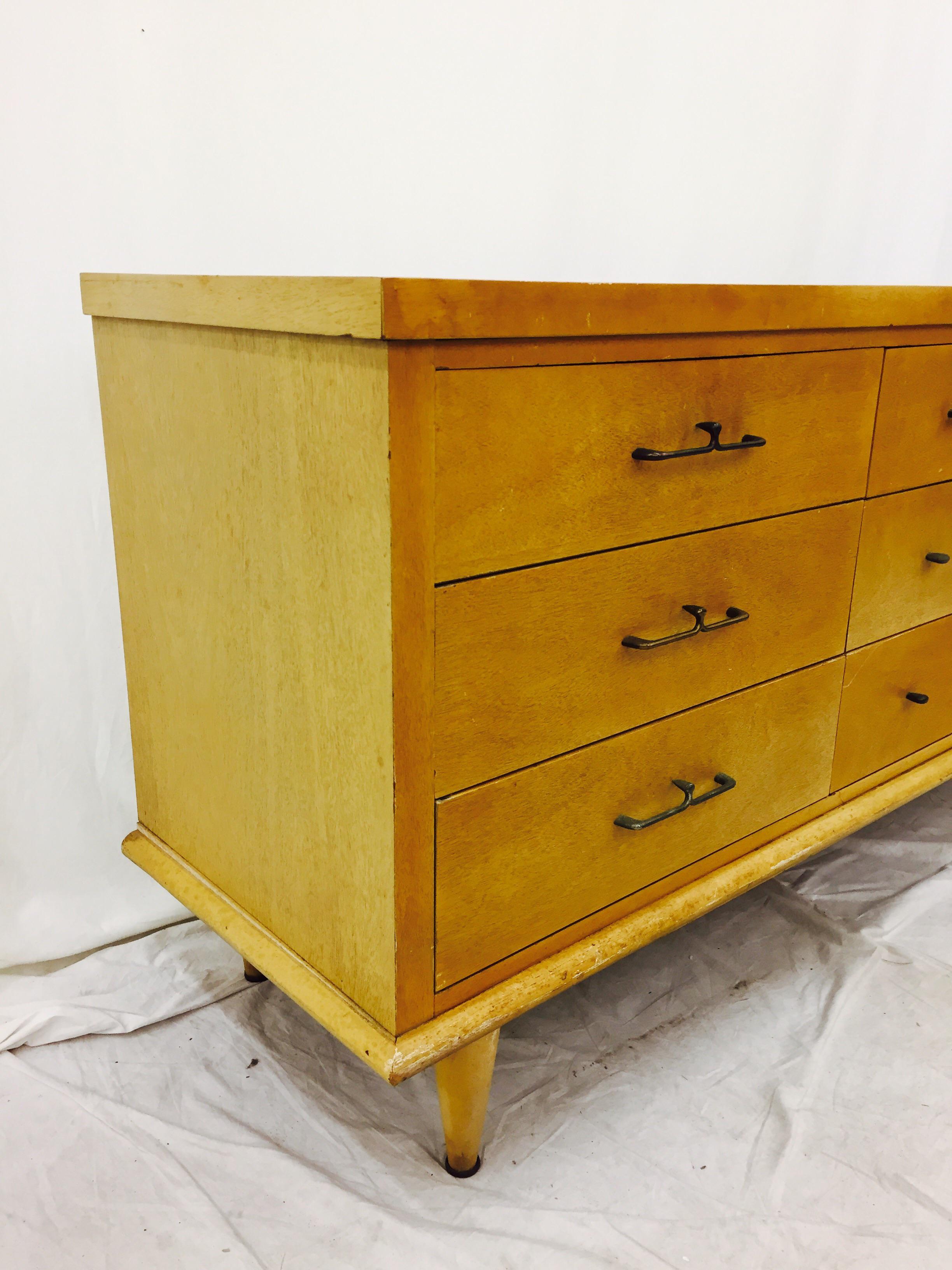 Vintage Dixie Furniture Mid