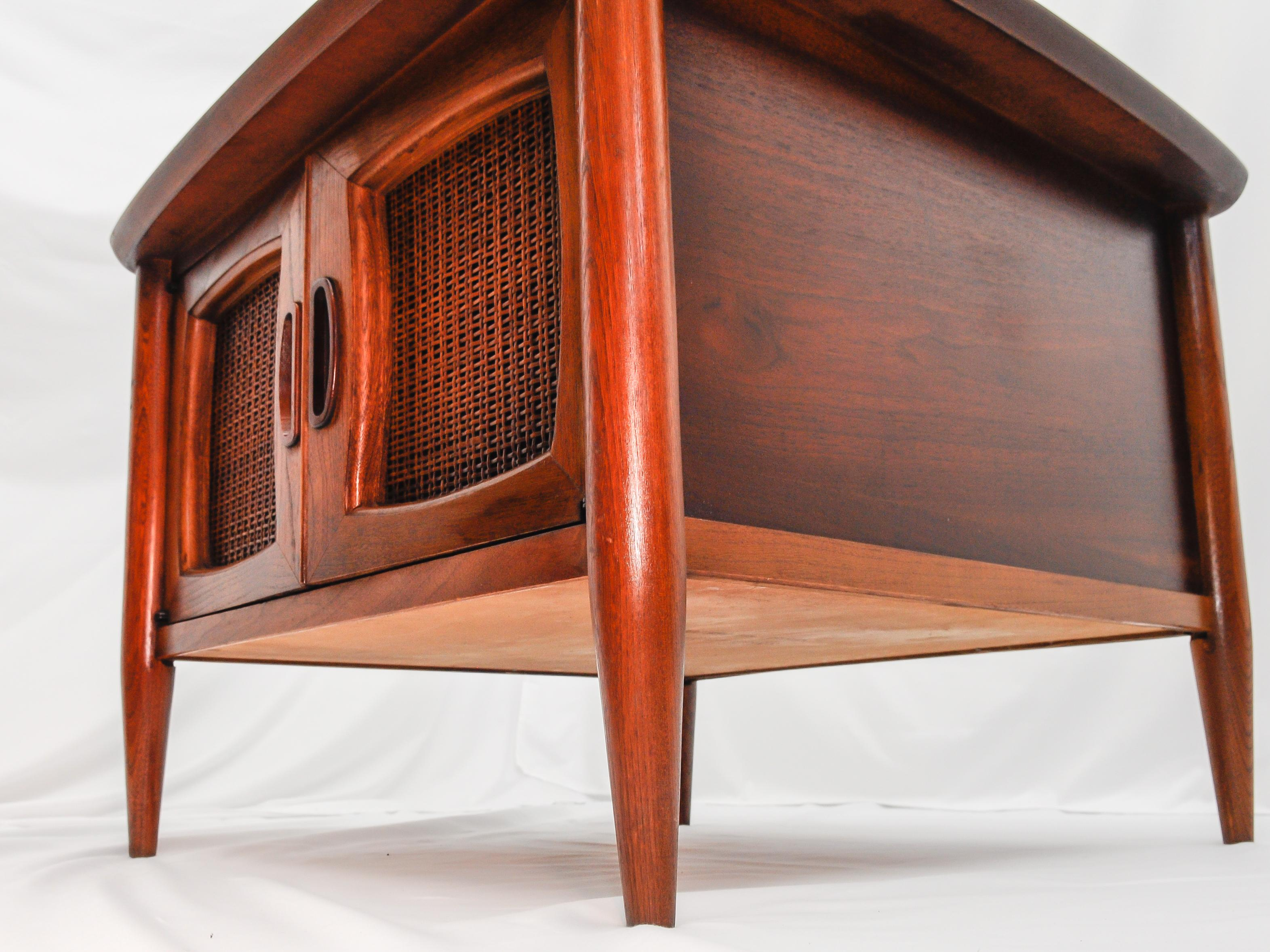 Lane Mid Century Modern Square End Table
