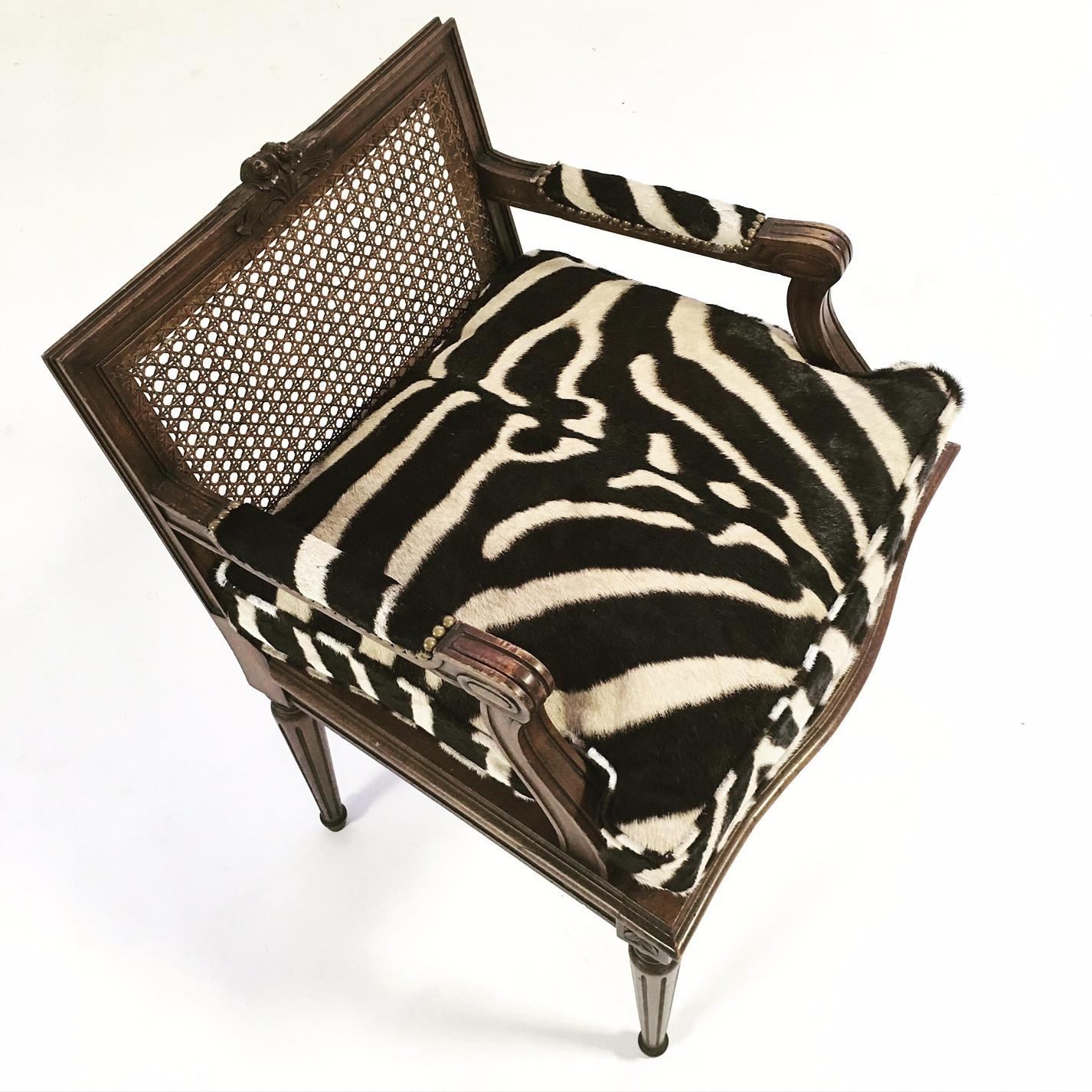 French Louis XVI Style Boudoir Chair