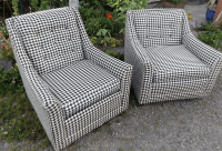 Kroehler Mid-Century Houndstooth Chairs - A Pair | Chairish