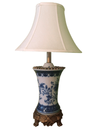 Chinoiserie Table Lamp in Blue & White Porcelain | Chairish