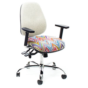 Petite Plus #01 office chairs