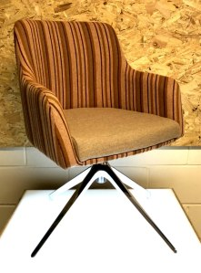 Lily 02.2 Tub Chair from Chairplan