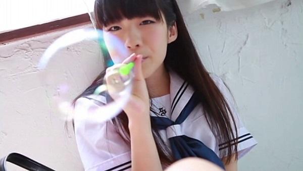 美少女アイドル伊東涼々夏