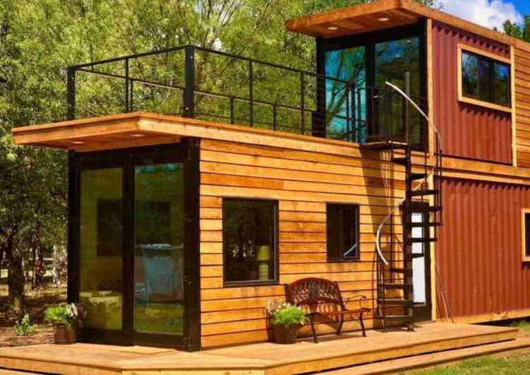 casa pré-moldada em container com madeira