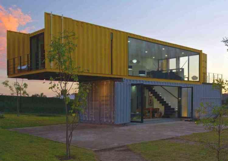 casa pré-moldada em container maritimo 2 andares