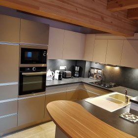 chalet-arpitan-1b-kitchen