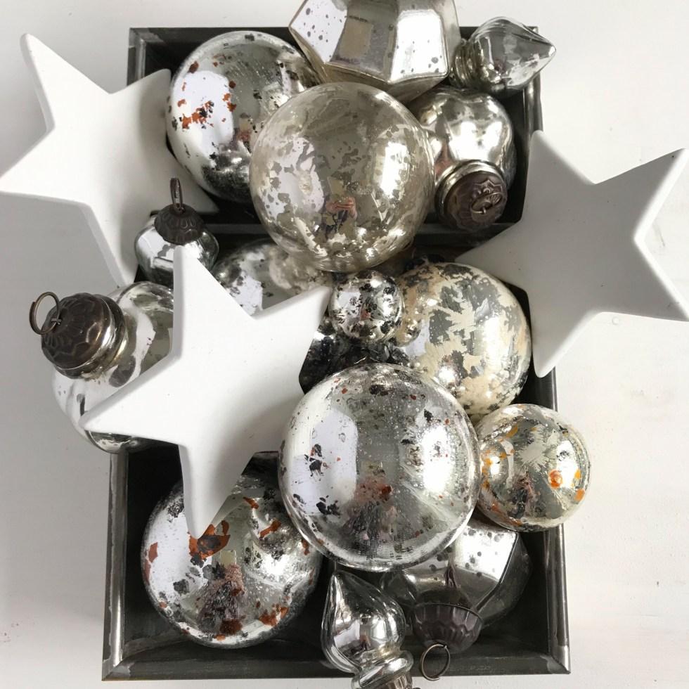 Upcycling: Antik-Weihnachtskugeln selber machen