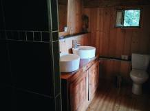 Salle de bain principale (main bathroom)