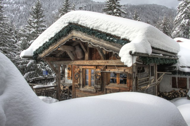 Chalet Les Trolles sous la neige
