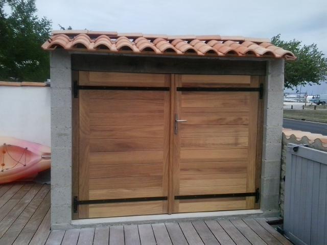Porte d'abri en iroko