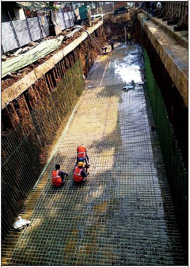 As part of the BMC's pre-monsoon preparedness work, workers construct a nearly 1-km-long stormwater drain and widen two existing ones in Byculla (E). While the drain outside Byculla station will be widened before monsoon, work on the other two drains will be completed by next year, say civic officials. The BMC is taking up drain-widening, repair and construction work across the city in phases after the downpour on August 29, 2017, had inundated most parts of Mumbai and exposed the ineffective drainage network
