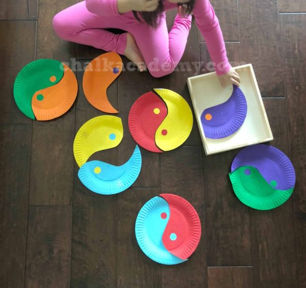 Yin Yang Paper Plate Puzzle