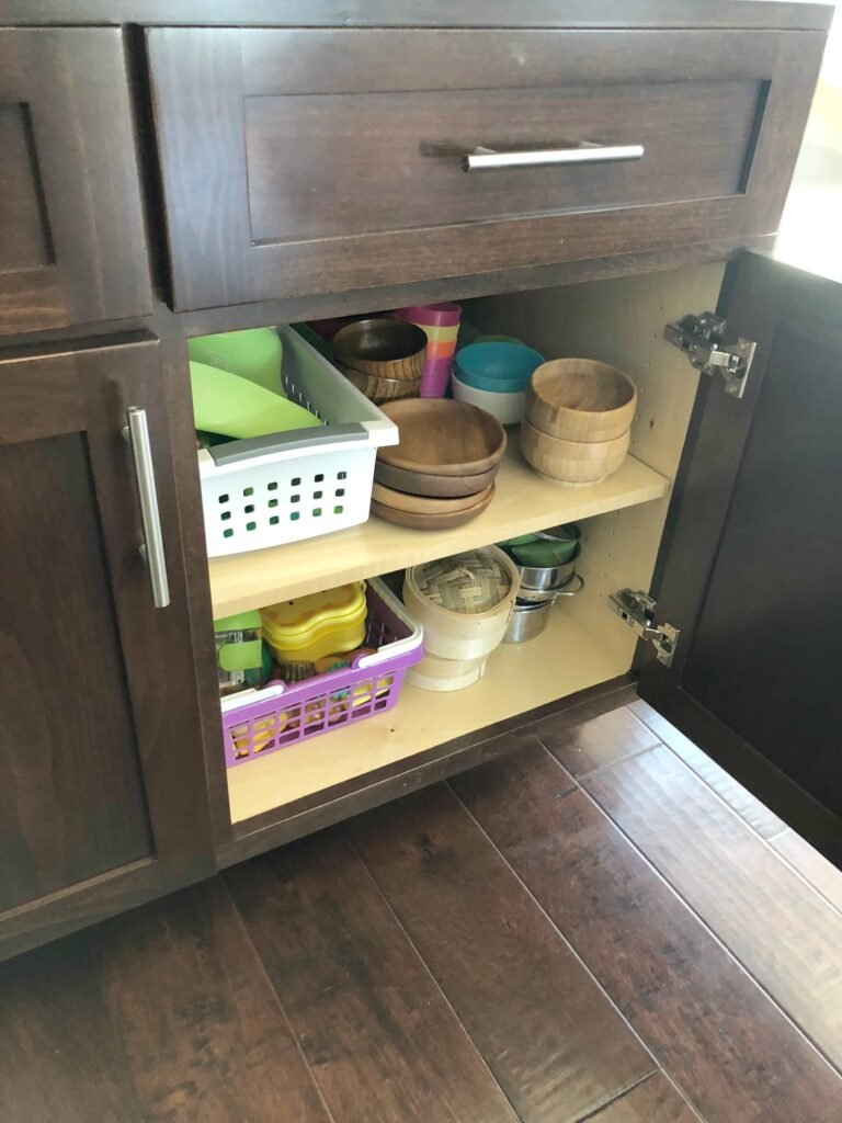 Kitchen cabinet for the kids