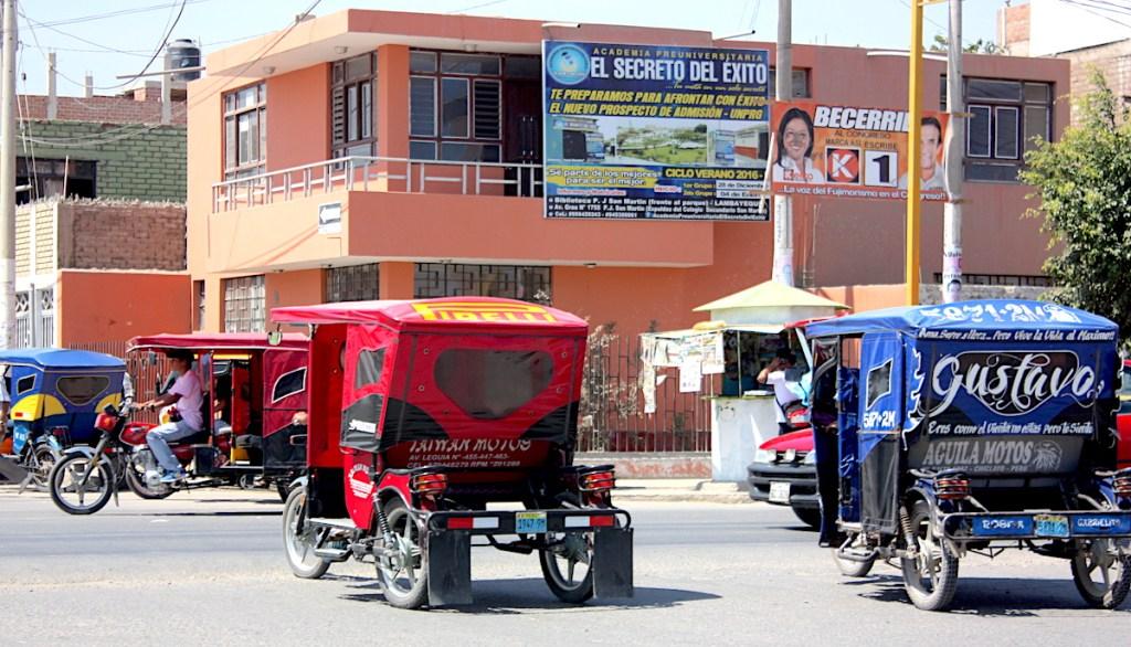 Chalkmarks tuk tuks, Peru