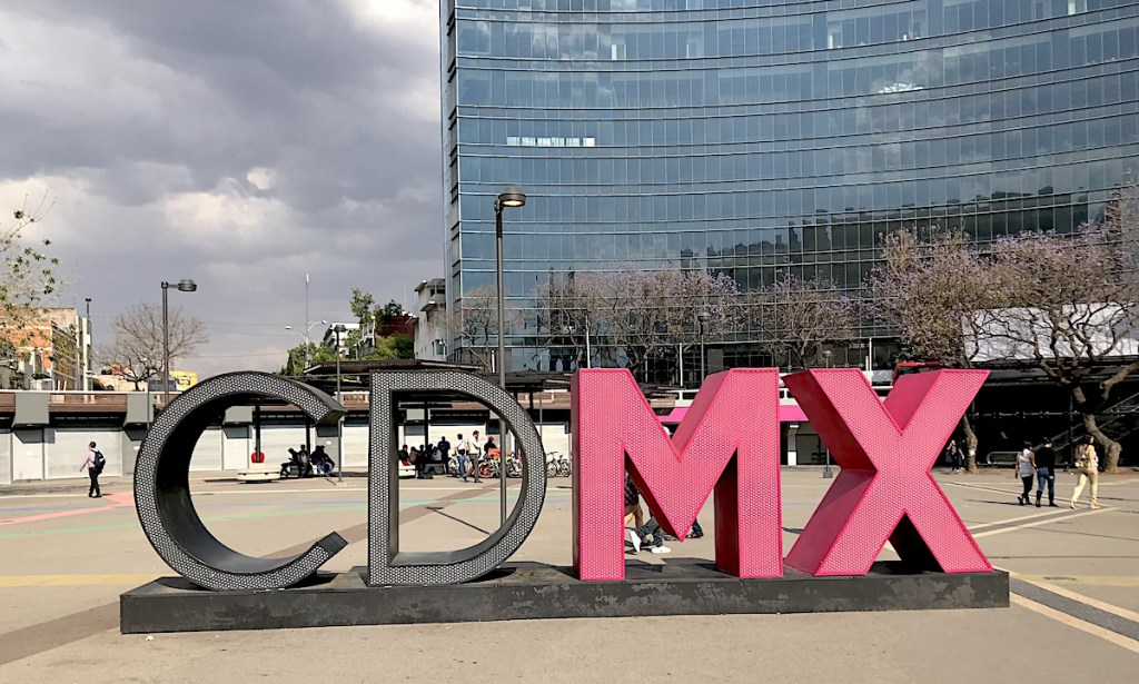 Chalkmarks CDMX sign