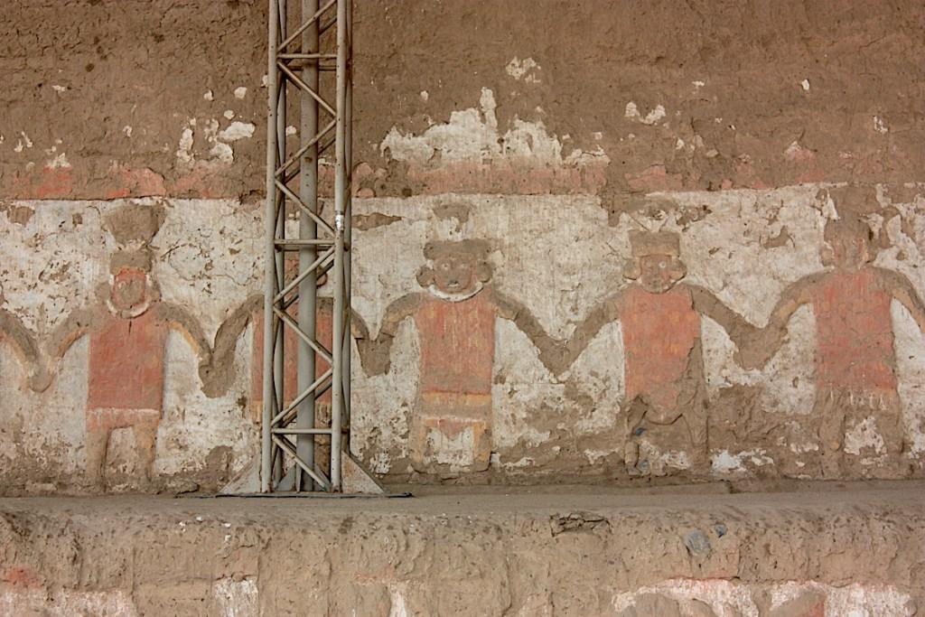 Chalkmarks Huacas del Moche
