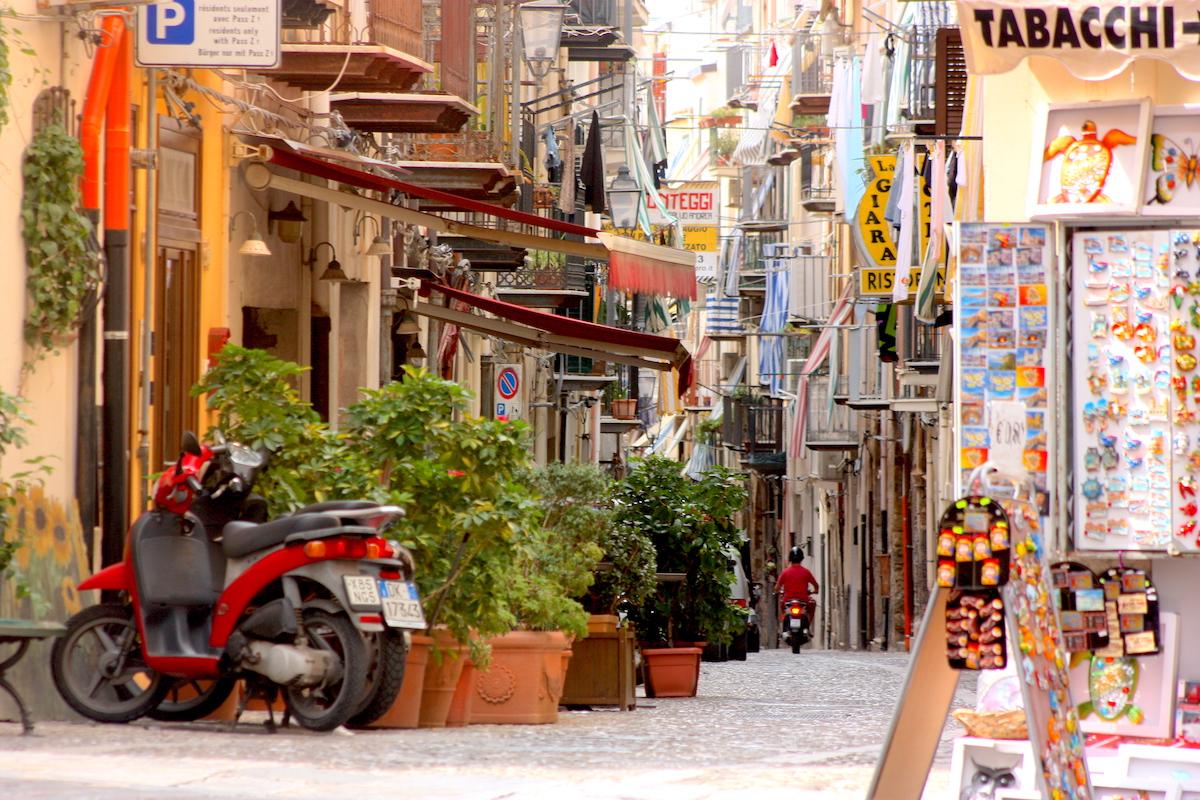 Chalkmarks Sicily
