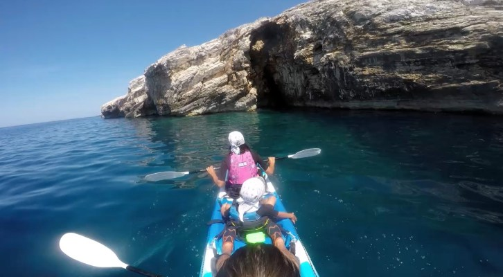 SEA KAYAK TOUR - Grotten auf Dugi Otok (Video)