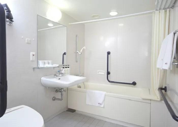 東京ベイ有明ワシントンホテルのユニバーサルルーム(バスルーム)
