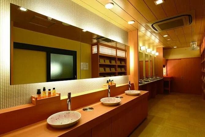 京都【松井本館】大浴場の脱衣所