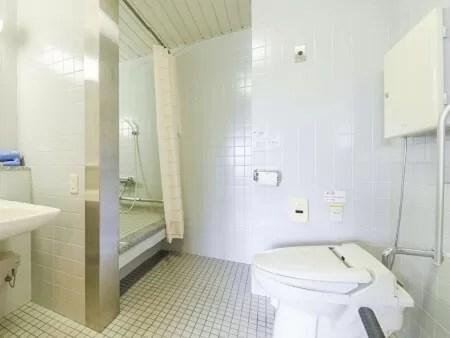 【大阪リゾート ホテル・ロッジ舞洲】本館バリアフリーツインのトイレ