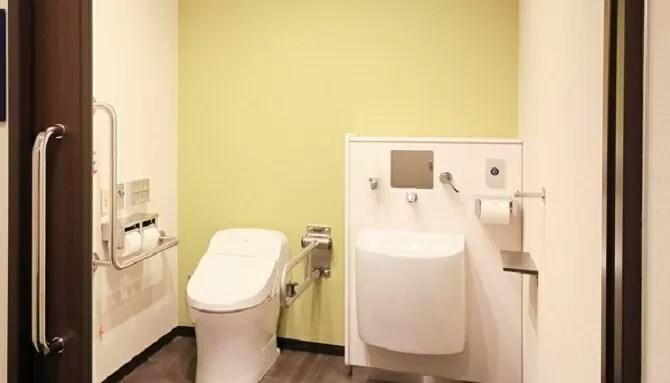 【クインテッサホテル大阪ベイ】コーナースイートツイン(2名・80平米)トイレ