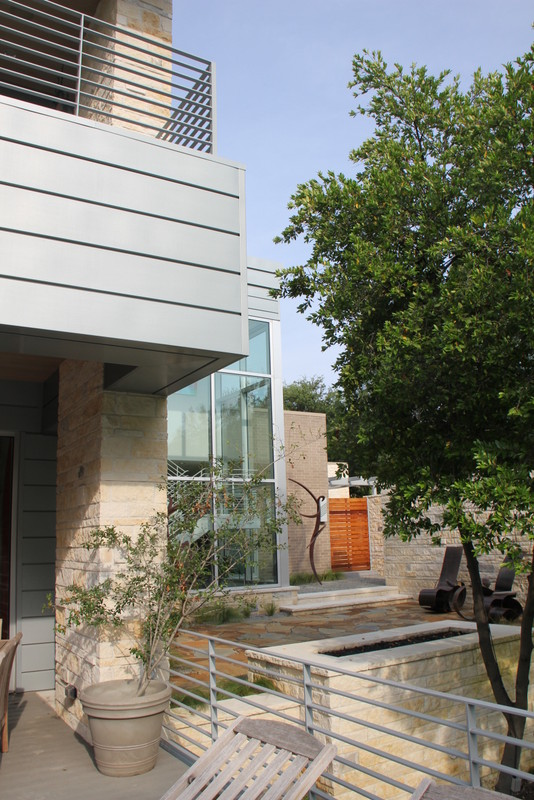 Dallas Modern Home by Stephen B Chambers Architects