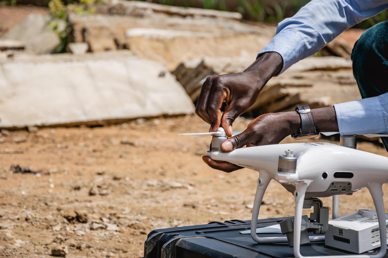Read more about the article DYRA utilise les drones pour le développement de l'agriculture
