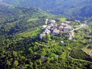 Vue aérienne du village de Vallecalle