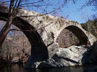 Pont Génois sur le Bévinco dans le Nebbiu à 3 km de la maison,