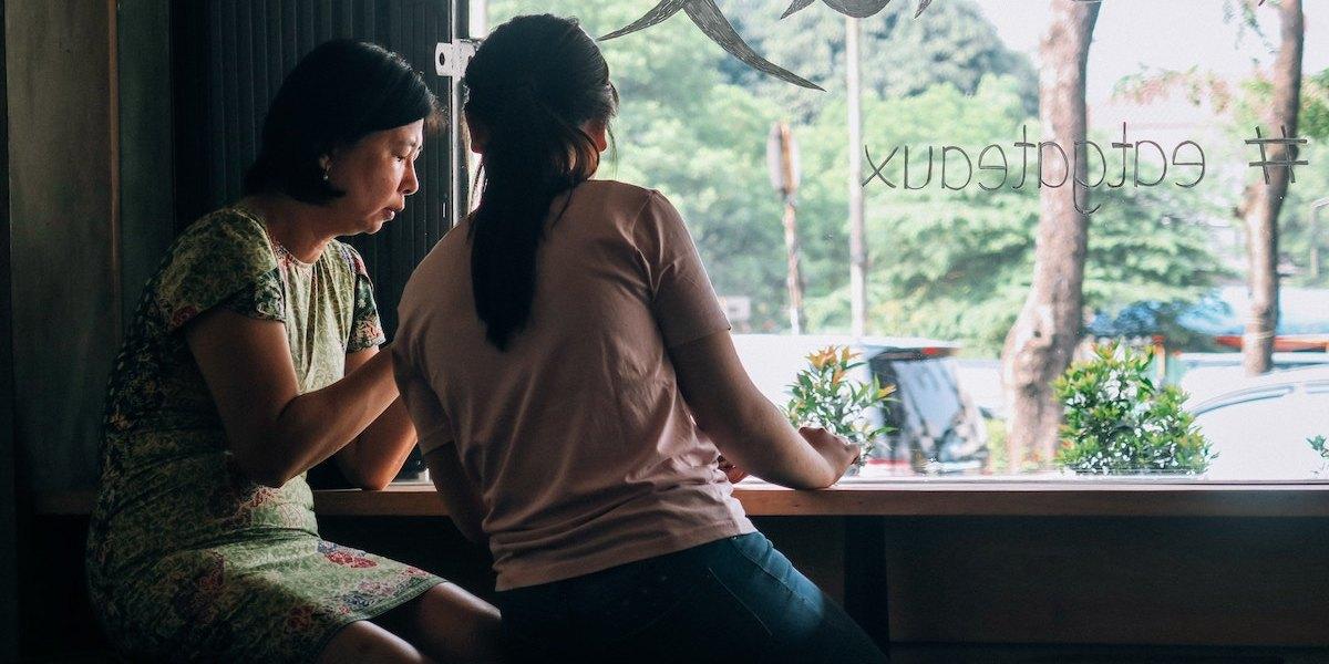 Làm thế nào để đối thoại và lắng nghe con cái?