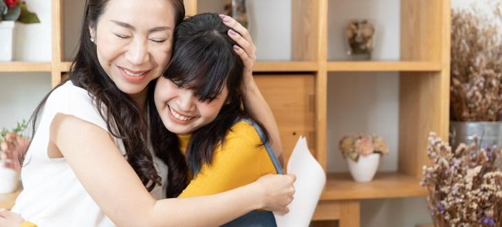 Tạo điểm chung – bí quyết để làm bạn với con tuổi teen