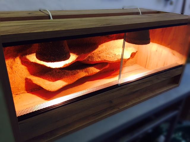 Lamino terarium s 3D pozadim - výroba terárií na zákázku