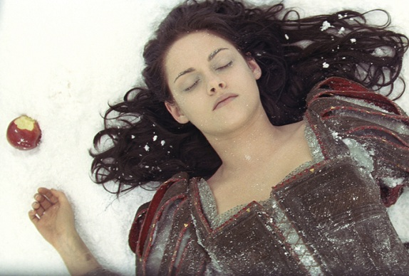 Wallpaper of Snow White and Huntsman