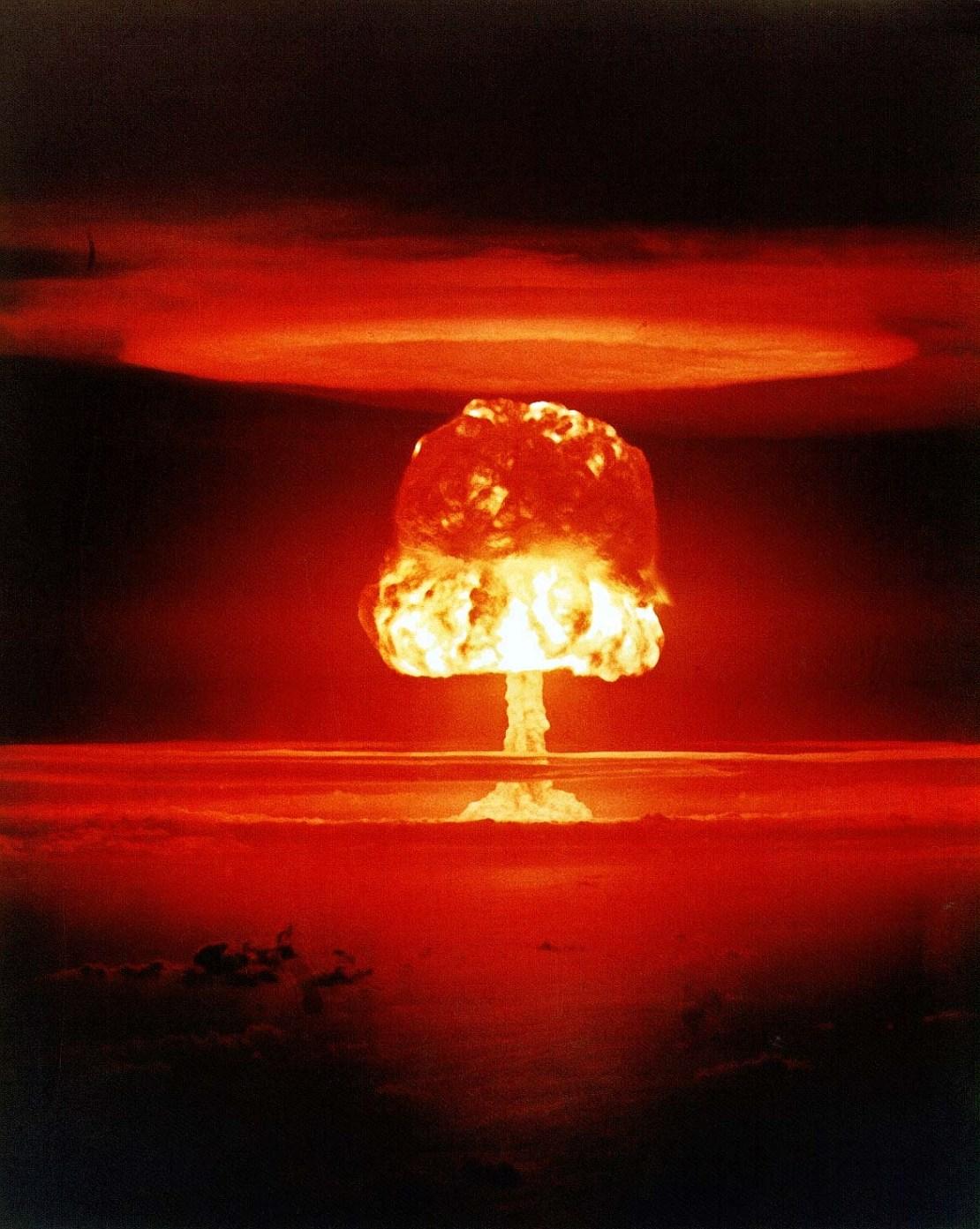 https://i0.wp.com/chamorrobible.org/images/photos/gpw-20050304-UnitedStatesDepartmentOfEnergy-XX-33-thermonuclear-hydrogen-bomb-Operation-Castle-ROMEO-Event-Bikini-Atoll-Marshall-Islands-19540327-large.jpg?w=1110