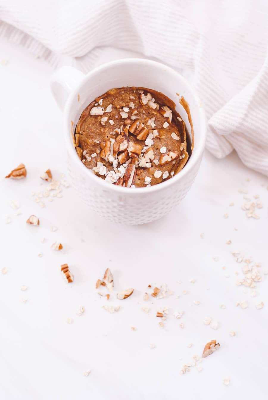 Healthy Breakfast Pumpkin Spice Mug Cake - an easy, 2 minute breakfast full of pumpkin, spice & everything nice! This protein and fiber packed meal the so unbelievably flavorful and delicious!