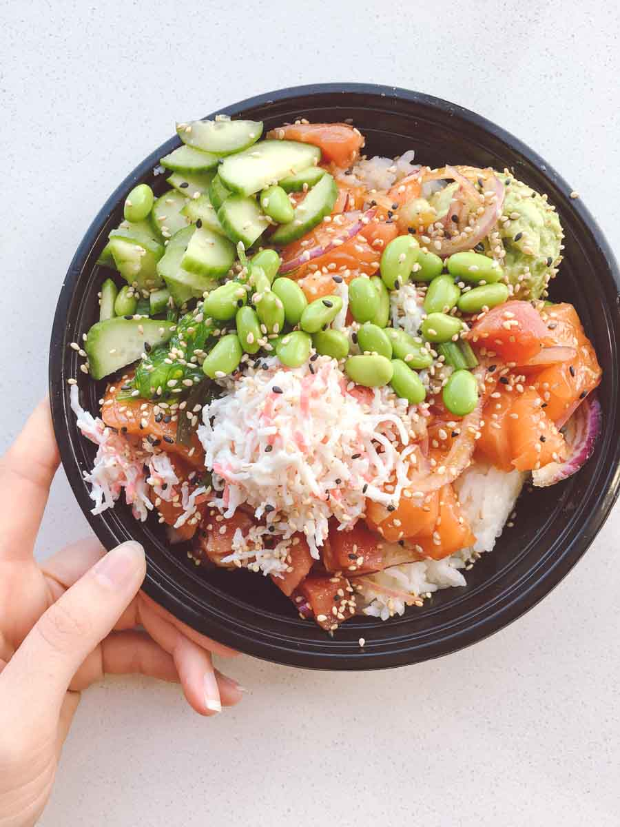 What a dietitian eats in a week - Poke bowl lunch