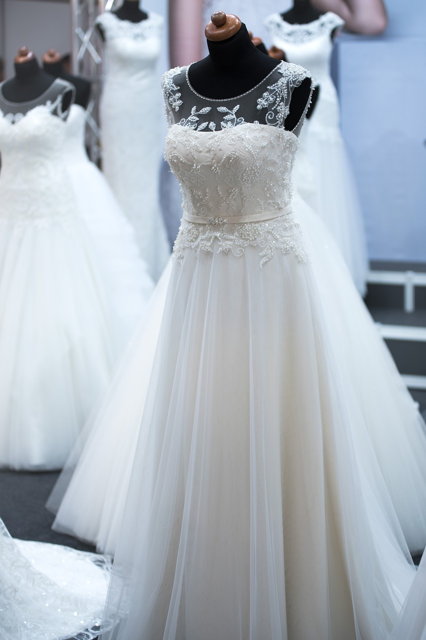 how to find the perfect wedding dress champagne and petals