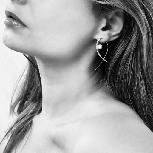 "YOKO LONDON - ""SLEEK"" EARRINGS QYE2191-7X"