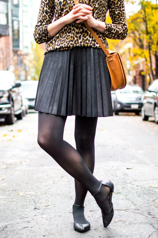 jess levy champagne thursday boston beacon hill fashion style blogger black and tan