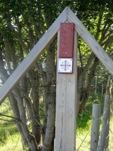 Trail marker for St. Olav's path. Photo: PK Read