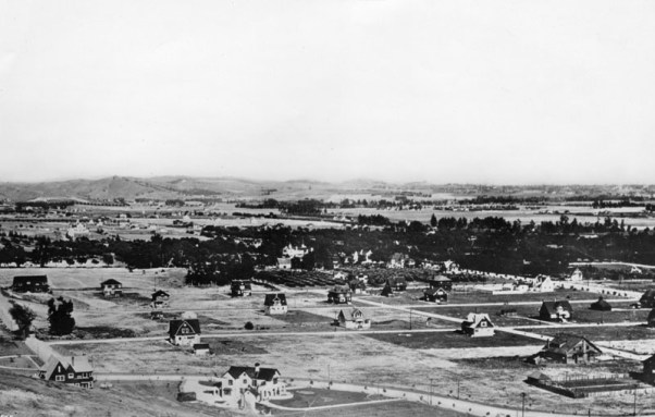 The view of Hollywood and Cahuenga, not too far from where we're staying circa 1906. Source: Water & Power Assc.