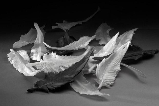 Birdy (2014), blown glass, sandblasted Photo: Antoine Brodin