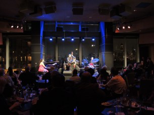 Dizzys was Packed! (Linda Sims photo credit)