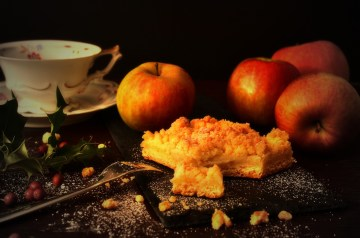 Old-Time Apple Cake