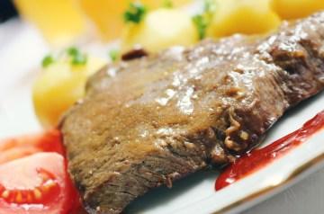 Beef  'n' Gravy on Potatoes