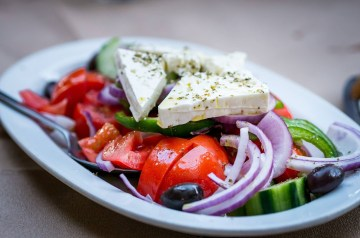 Greek Garden Salad for 2