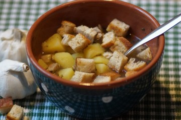 Garlic Soup With Potatoes and Cumin