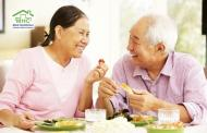 Chăm sóc người già tại nhà và những điều cần ghi nhớ